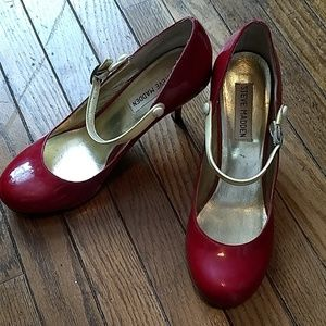 41bc698d16c9 Steve Madden red leather pumps